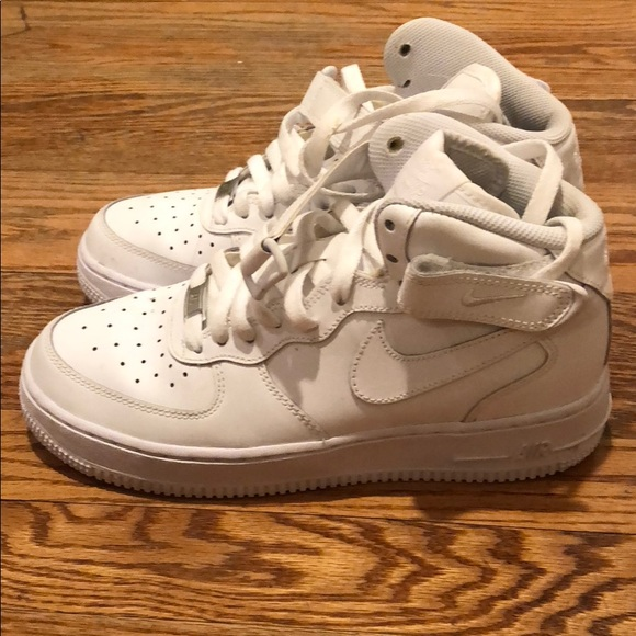 White Nike Air Force One High